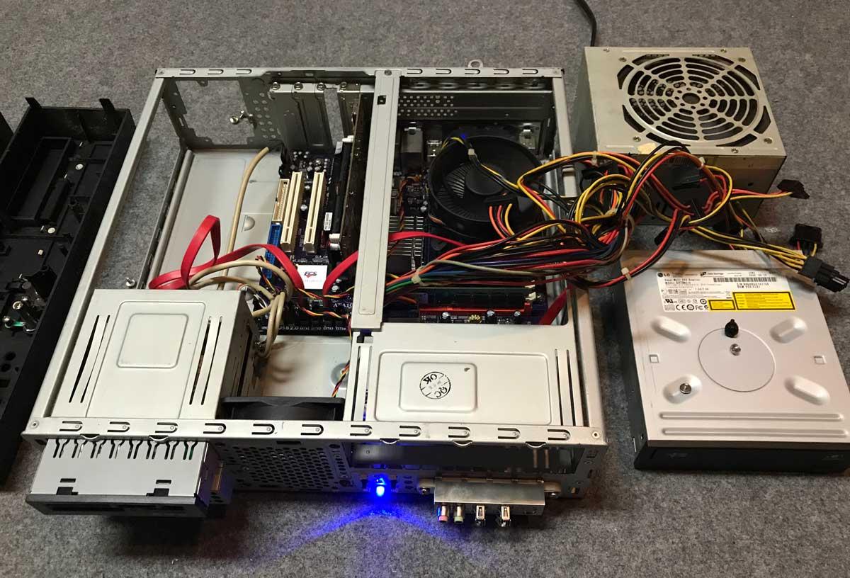 正常な電源ユニットを接続して通電テストを実行